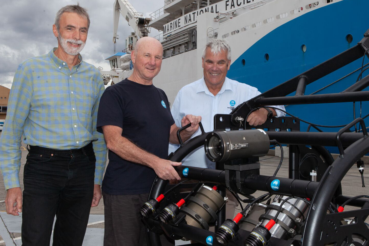 NIc Bax, Alan Williams and Jeff Cordell with the CSIRO deep-tow camera